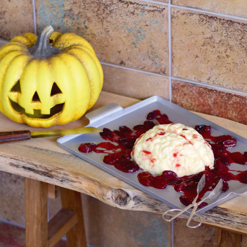 Pudding kochen für Halloween Gehirnpudding